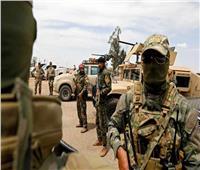 التحالف الدولي يدفع بتعزيزات عسكرية نحو حقلين نفطيين في دير الزور