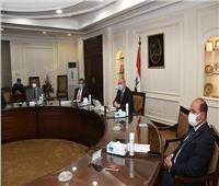 وزير الإسكان يتابع إجراءات تنفيذ الخطة الاستراتيجية للتوسع فى محطات تحلية مياه البحر