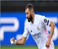 كريم بنزيما يسجل هدفًا رائعًا في تدريبات ريال مدريد.. فيديو