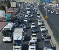 كثافات مرورية متوسطة على معظم الطرق والميادين بالقاهرة الكبرى  فيديو