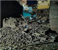 انهيار منزل مكون من 3 طوابق بنجع حمادي   صور