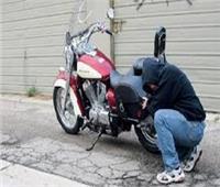 ارتكب 3 جرائم.. حبس حرامي الدراجات النارية في مدينة نصر