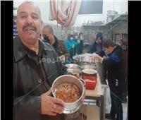 «مطبخ الخير».. مبادرة لتقديم وجبات مجانية لمصابي كورونا وغير القادرين | فيديو