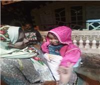 أول صورة للطفلة ضحية تجريد ملابسها ووالدتها بالدقهلية