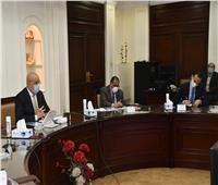 وزير الإسكان يستعرض المخطط الإستراتيجي العام لمدينة شرم الشيخ