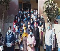 مبادرة شبابية توزع 3 آلاف كمامة في شوارع الفشن
