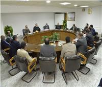 اجتماع لتسهيل الإجراءات للتوسع في إنشاء محطات وقود الغاز الطبيعي بأسيوط