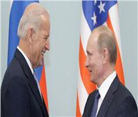 البيت الأبيض: هناك محادثات رفيعة المستوى بشأن عقد قمة بين بايدن وبوتين