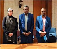 وزيرة الصناعة ونظيرها السوداني يوقعان مذكرة تفاهم في برنامج الصناعات الصغيرة
