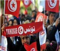 تونس: متظاهرون في شارع الحبيب بورقيبة يطالبون بإسقاط النظام