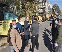 محافظ أسيوط يتابع أعمال رصف شوارع حي غرب