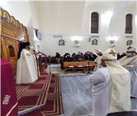الأنبا باخوم يزور كنيسة السيدة العذراء بالمعادي