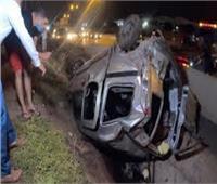 إصابة ١٠ أشخاص في تصادم سيارتين بالطرق الزراعي في أسيوط