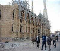 محافظ الوادي الجديد يتفقد أعمال إنشاء مسجد «التواب الرحيم»