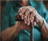 «صيد سهل».. لماذا يصعب على كبار السن تحمل الإنفلونزا وكورونا؟