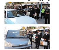 «الداخلية» توزع الورود والهدايا على المواطنين احتفالا بعيد الشرطة.. صور
