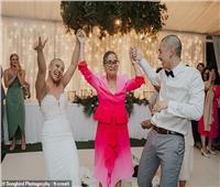 عريس يحلق شعر عروسته في «الكوشة» تعرف على السبب | صور
