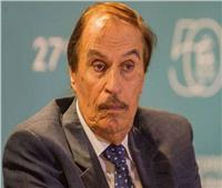 أشرف زكي يعلن وفاة الفنان عزت العلايلي