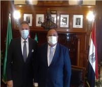 رئيس جامعة حلوان يلتقي رئيس بنك مصر