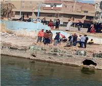 غرق بائع بترعة الإبراهيمية فى المنيا.. و«الإنقاذ» يبحث عن الجثة | صور