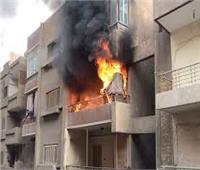 المعمل الجنائي يعاين حريق شقة سكنية بالدرب الأحمر