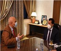 وزير الرياضة يناقش استعدادات استضافة بطولة العالم للرماية