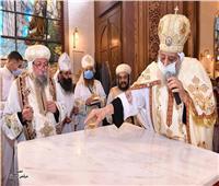 البابا تواضروس: تعليق الصلوات 15 يوماً فى أى كنيسة تخالف الاحترازات