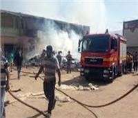 المعمل الجنائي يتحفظ على موقع حريق مخزن أنابيب قرية «تنده» بملوي
