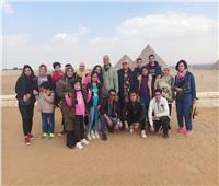 «القومي لأسر الشهداء» ينظم رحلة ترفيهية إلى أهرامات الجيزة.. صور