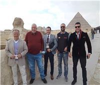 جولة لرئيس الاتحاد الدولي لكمال الأجسام بالأهرامات