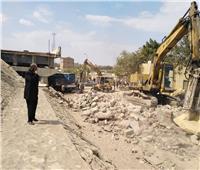 رئيس حي البساتين يتابع إزالة العقارات لتوسعة الدائري