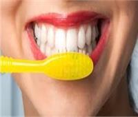 خبيرة تحذر.. غسيل أسنانك في هذه الحالة خطر جدا