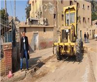 رئيس مركز ومدينة ملوي يتابع حملات النظافة وتمهيد الطرق بالقرى