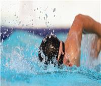 أبرزها بناء العضلات وتوسيع الشعب الهوائية.. فوائد السباحة