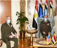 رئيس الأركان يلتقي قائد القيادة المركزية الأمريكية