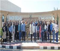 «الهجرة» تنظم زيارة لشباب الدارسين بالخارج و«بيج رامي» إلى قوات الصاعقة