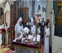 الأنبا يواقيم يترأس قداس «فصح يونان» بكنيسة العذراء مريم