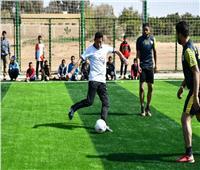 وزير الشباب والرياضة يتقدم مسيرة رياضية بالواحات البحرية «مصر السلام»