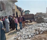 فيديو وصور| ضبط بناء مخالف وإزالته بمنشأة القناطر بالجيزة