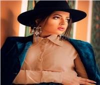 منى فاروق تحتفل بعيد ميلادها| فيديو