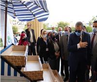 سعفان ومحافظ الإسكندرية يطلقان مبادرة «هي تعمل» للبائعات الجائلات