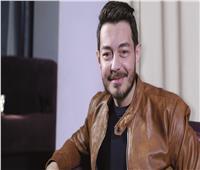 فيديو   أحمد زاهر يُغني «شكرا» بسيارته.. وشاعر الأغنية يُعلق