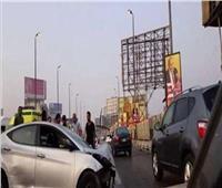 مصرع سائق وإصابة 2 آخرين في حادث بطريق السويس