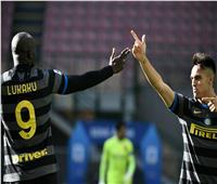 إنتر يهزم جنوى بثلاثية في الدوري الإيطالي