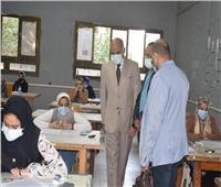 رئيس جامعة الأقصر يتابع سير الامتحانات بالكليات لليوم الثالث
