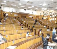 نائب رئيس جامعة طنطا يتفقد لجان الامتحانات بـ «طب الأسنان والصيدلة»