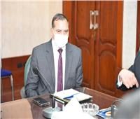 محافظ سوهاج ورئيس الجامعة يبحثان آليات تنفيذ مبادرة «حياة كريمة»