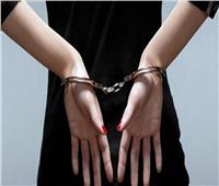 حبس ربة منزل استغلت طفلها في سرقة المتاجر بالمعادي