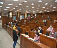 الخشت: كليات جامعة القاهرة ملتزمة بخطة الوقاية من فيروس كورونا.. صور