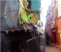انهيار شرفة عقار قديم في السويس